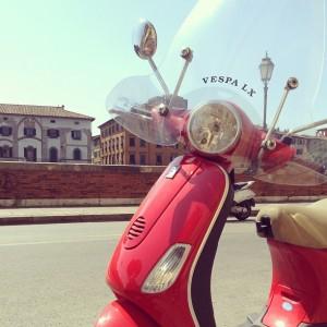 Vespa in Pisa