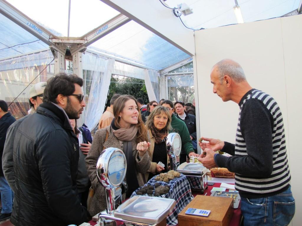 buying truffles in Tuscany