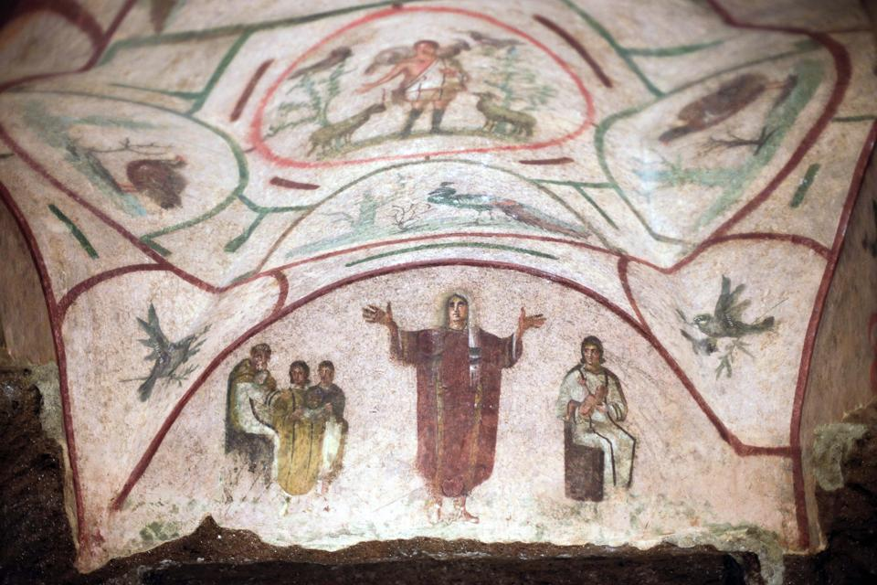 Catacombs of Priscilla, women priests in The Greek Chapel
