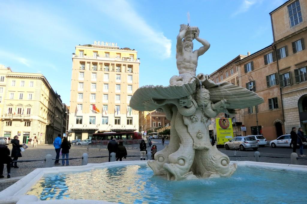 Fontana del Tritone in Rome