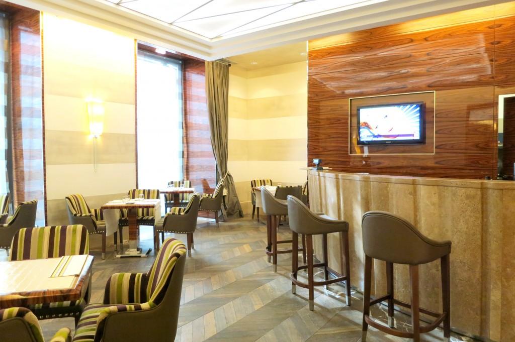 UNA Hotel Roma bar