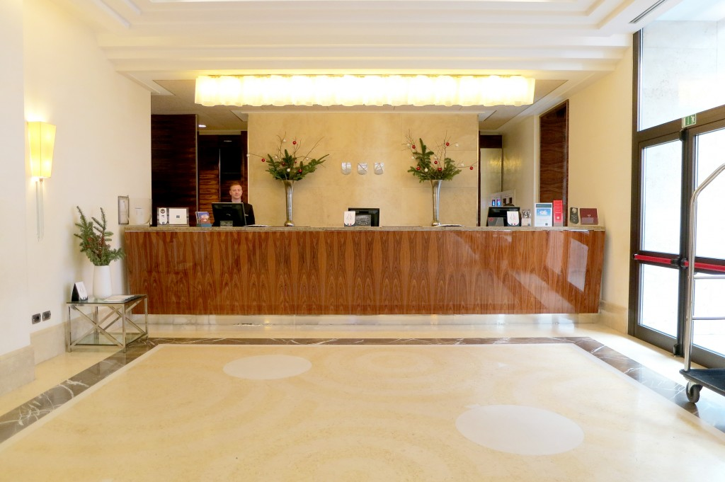 UNA's lobby