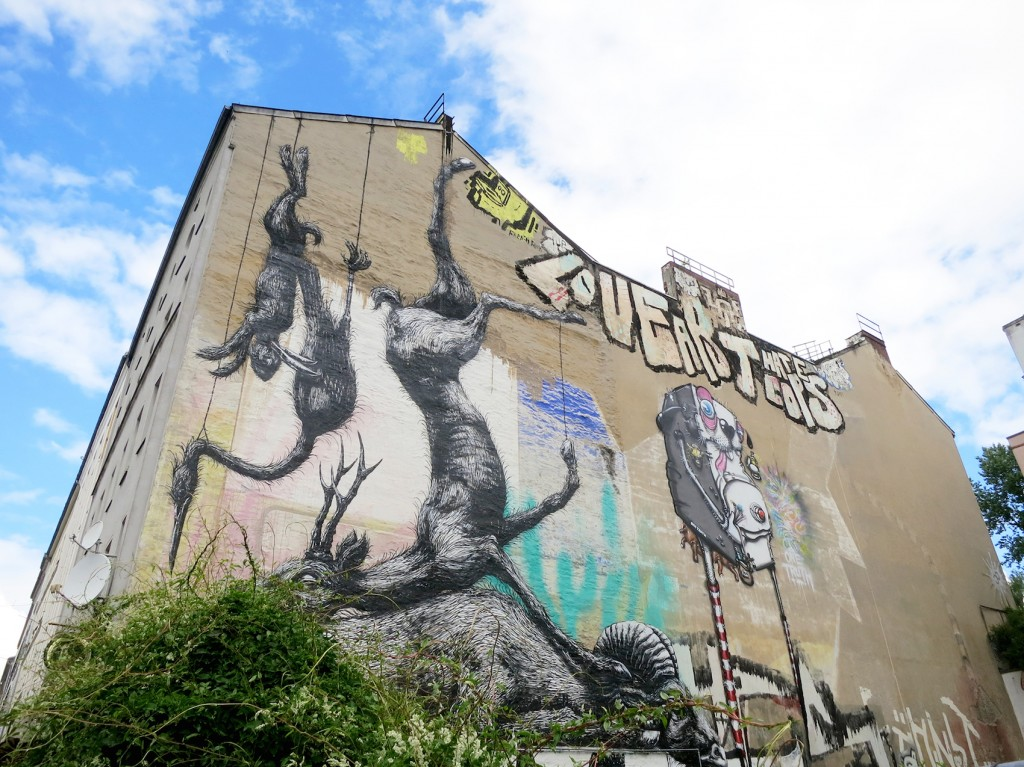 Berlin street tour, roa graffiti