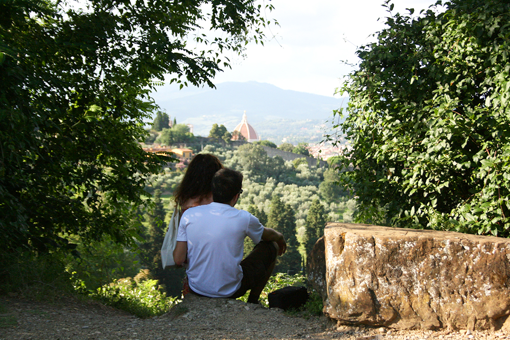 Kissing in Florence over San Niccolò
